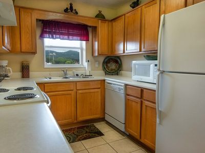 2 Bedroom-Sleeps 8-Walking Distance to the Island in Pigeon Forge - Free Tkt