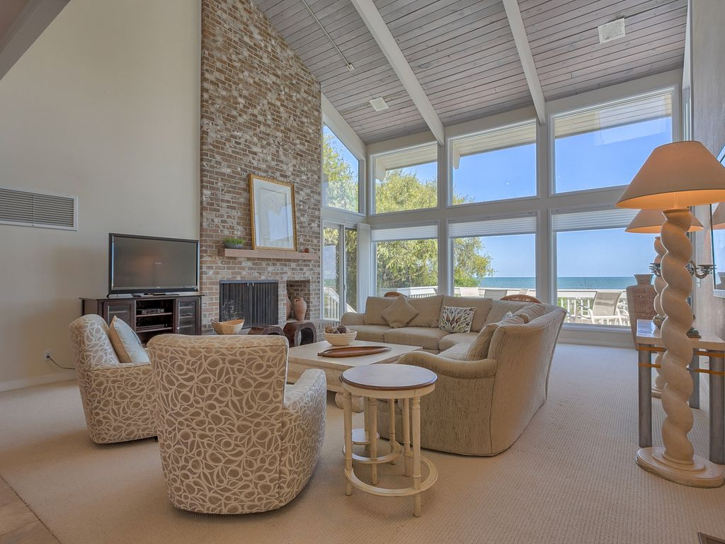 Oceanfront 5 Bedroom Beach Home With Large Pool Spa