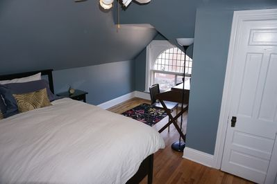 Very comfortable bed; arched window adds architectural interest