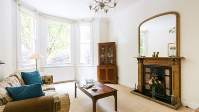 Photo for Traditional, Warm 1BR Flat in Maida Vale