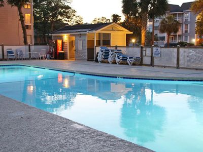 Photo for Cozy condo with shared pool, hot tub, sauna & fantastic location near the beach