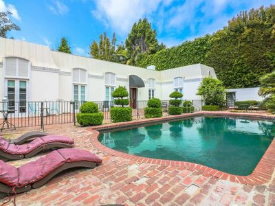 Photo for Large mid-century Brentwood 5BR Estate, Sleeps 16!