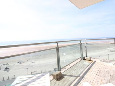 Photo for 3 bedroom seafront apartment on the 4th floor for 8 persons max.