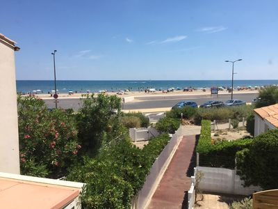 Photo for Beautiful apartment sleeps 4, sea view renovated!