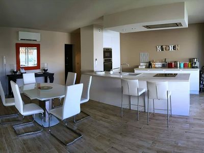 Photo for Apartment 6 people in the heart of St Tropez
