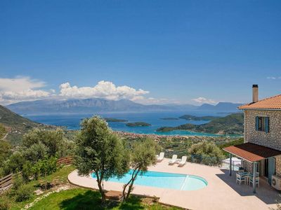 Photo for Beautiful villa w/ great views & 2 bedrooms. Perfect for small families