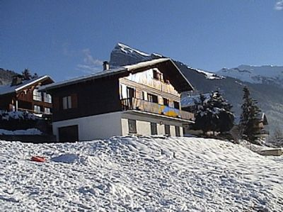 Photo for Large Family Friendly Chalet With Panoramic Mountain Views
