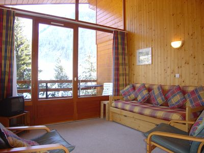 Photo for Modern Ski-In / Out Apartment,  5 mins walk from Morzine centre