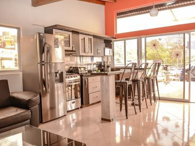 Penthouse 3 Bedroom AC, Lleras 8 Person Hot Tub, Roof Deck & View