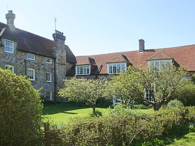 Photo for 2 bedroom property in Brighstone. Pet friendly.
