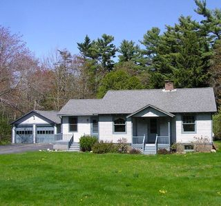 Photo for Beautiful home close to ocean and all attractions.