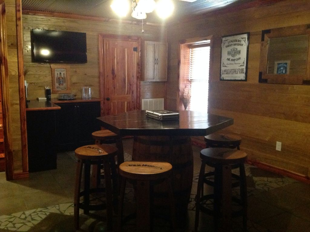 Property Image#8 Cedar Cabin Three Miles From Historic Jack Daniels  Distillery