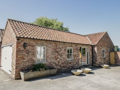 Photo for PROVIDENCE COTTAGE, with a garden in Easingwold, Ref 961987