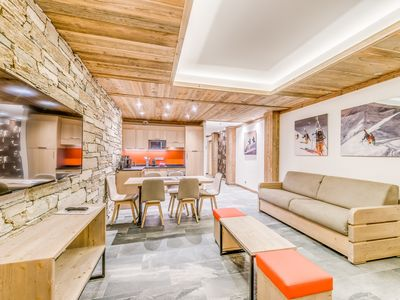 Photo for Beautiful apartment in the heart of Tignes Lac, facing south. Pool / sauna / communal hammam