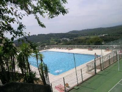 Photo for Mougins Le Haut: Near CANNES, SWIMMING-POOL, TENNIS, nice 2 rooms, terrace, gagage