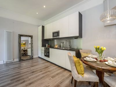 Photo for Ground Floor 2 Bedroom Apartment With Access To Large Communal Gardens & Parking