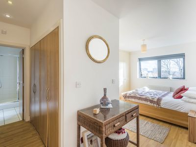 Photo for Bright and Spacious Apartment close to Centre