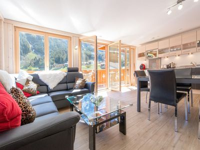 Photo for Chalet Belmont - perfect location, recently new