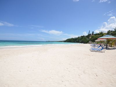 WALK TO THE BEACH IN A MINUTE! VIEWS! COOK! COUPLES RETREAT! Sea Spice2BR