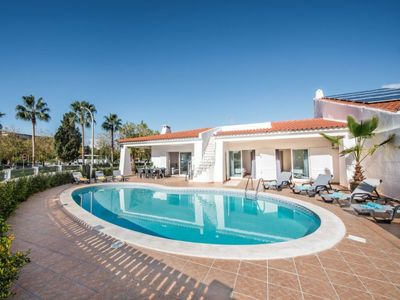 Photo for 5 bedroom Villa, sleeps 12 in Praia da Oura with Pool and WiFi