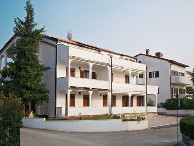 Photo for Comfortable two bedroom apartment near sea