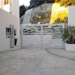 Gated security entrance