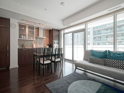 Photo for Stunning 2BR/3 BED/FREE PARKING In Heart Of DT