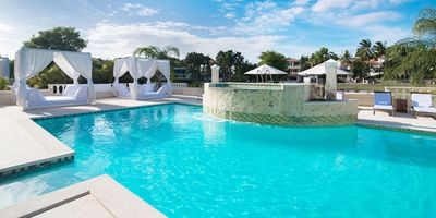 Photo for Three bedroom Crown Villas/private pool and maid!!