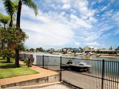 Photo for Waterfront Bliss* 5min to Harbour town 10min to Surfers paradise