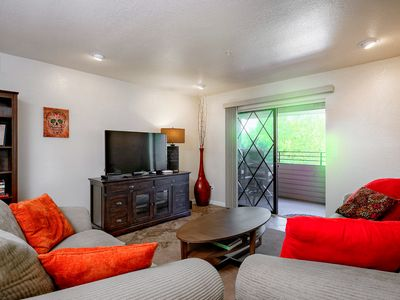 Photo for Cozy Old Town Condo w/ Beach Cruisers, Community Pool & Golf Course Views