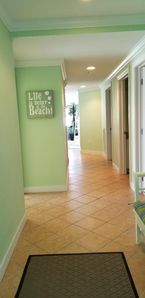 Photo for Luxury Condo, Gorgeous Sunsets, Roof Top Pool, Fitness Gym, Walk to Beach, WiFi