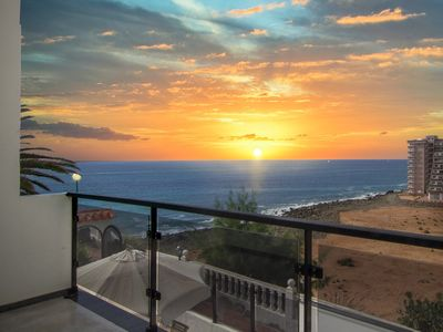 Photo for Luxury apartment with sea views