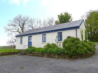 Photo for BALLYVOREEN, pet friendly in Glandore, County Cork, Ref 938478