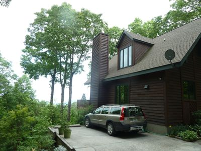 Photo for Peaceful Chalet with Beautiful Mountain View only 12 Mins from Town
