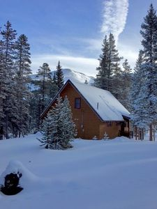 Photo for The perfect family friendly cabin in the woods, minutes to downtown Breckenridge