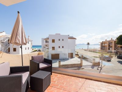 Photo for Salzes 5 - Cozy terraced house ten meters from the beach of Port d'Alcúdia