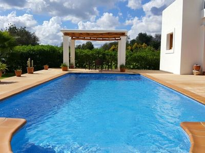 Photo for VILLA MORNA: Free Wifi, private pool and mountain view