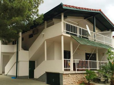 Photo for Apartments im Haus Lana, Starigrad Paklenica  in Norddalmatien - 4 persons, 2 bedrooms