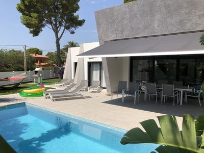 Photo for Designer Luxury Villa with heated pool, 200m to the next bay