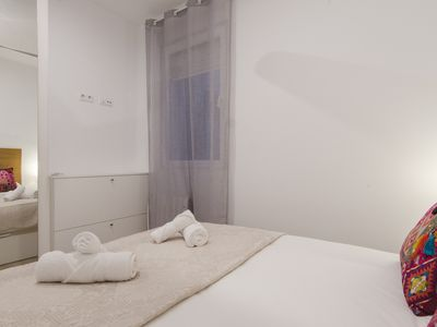 Photo for Bright and Cozy 2BD 2BT Gran Via