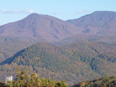 Photo for Awesome view of Mt Leconte, Minutes to Ski Slopes & Downtown,  Free WIFI,