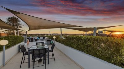 Roof top terrace comes with 2 dining settings, 1 with water views