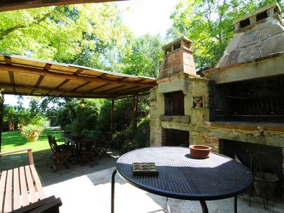 Photo for Stunning private villa for 4 guests with private pool, WIFI, A/C, TV and parking, close to Arezzo