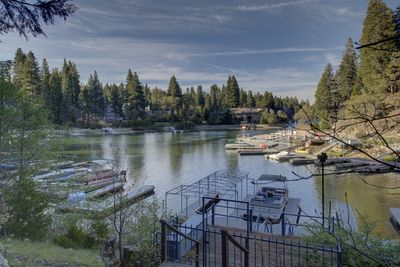Directly on the lake! Your own private dock with kayak.