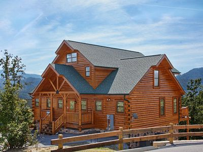 Photo for »»----> Cherokee Lodge | Mountain Views | Pets Welcome! | Wi-Fi | Theater | Convenient Location