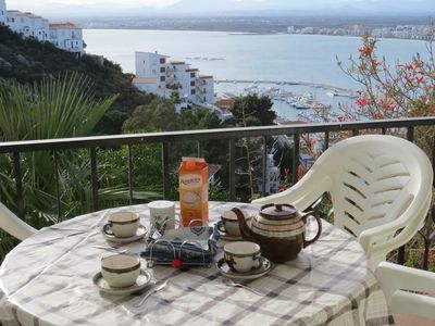 Photo for PAV. Apartment overlooking the sea in Roses with private parking space.