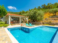 Lovely villa and great accommodations were offered to us. The villa had a spacious out door with ...