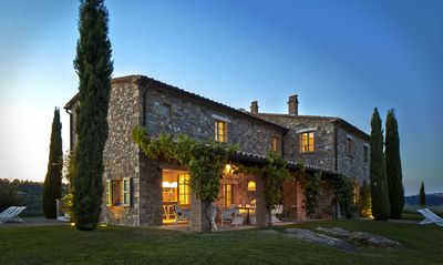Photo for A Charming and Luxurious Country Villa at the Border of Tuscany and Umbria