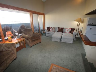 Photo for 2 BR w/loft Snowcrest Condo! Across from base area. Hot tub.