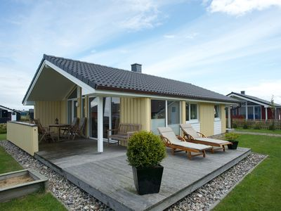 Photo for Cottage on tw beach / sea. Büsum u. St. Peter-Ording, pets welcome
